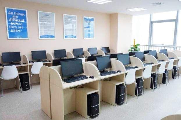 扬州沃的英语培训中心 LAB区