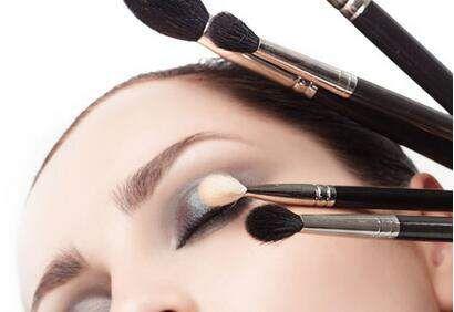 大连化妆盛良培训