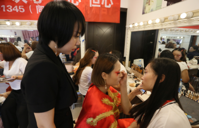洛阳贵妃美发美容化妆美甲学校 活动