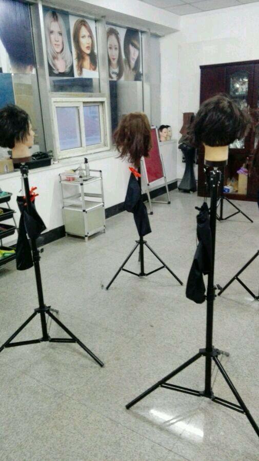 青岛英代美发培训学校 实践教室