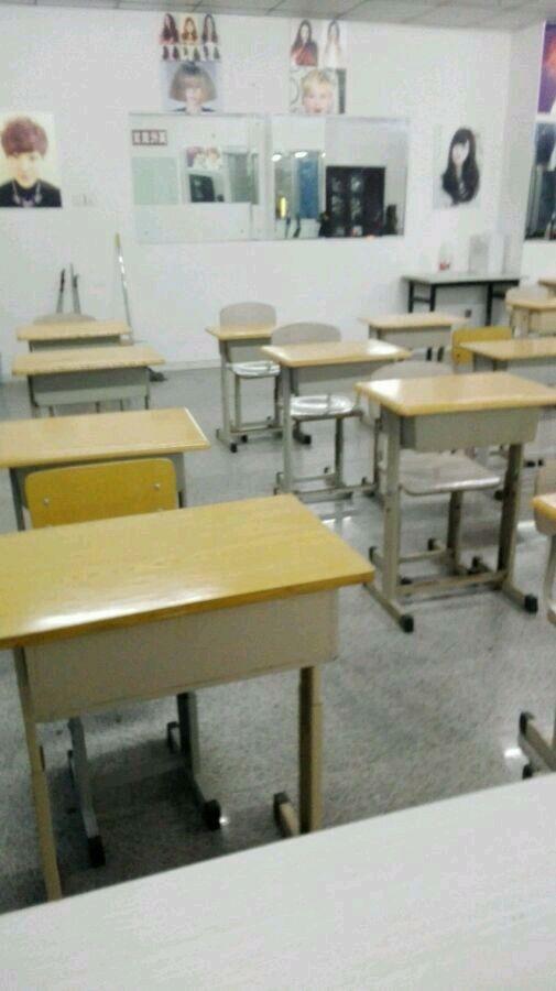 青岛英代美发培训学校  教室