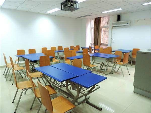 四川外国语大学外语培训中心