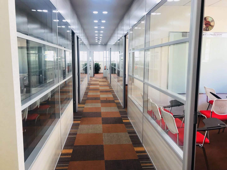 CIC国际英语 校区走廊