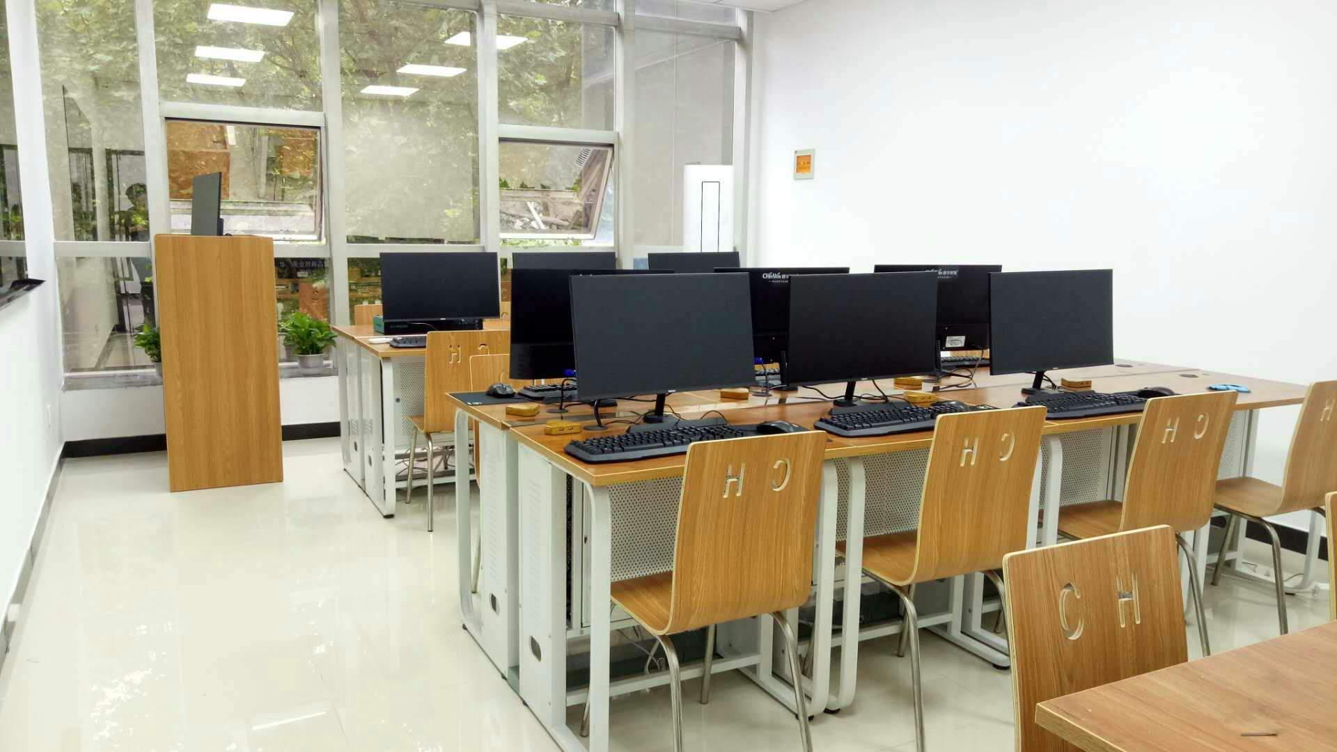 南京春华教育 学校环境
