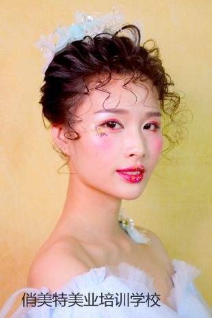 俏美特彩妆形象设计课程