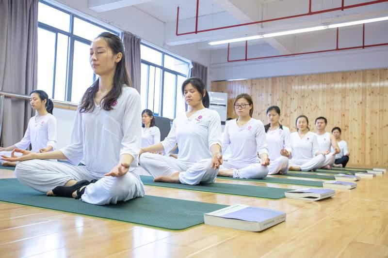 综合素质瑜伽导师精英班