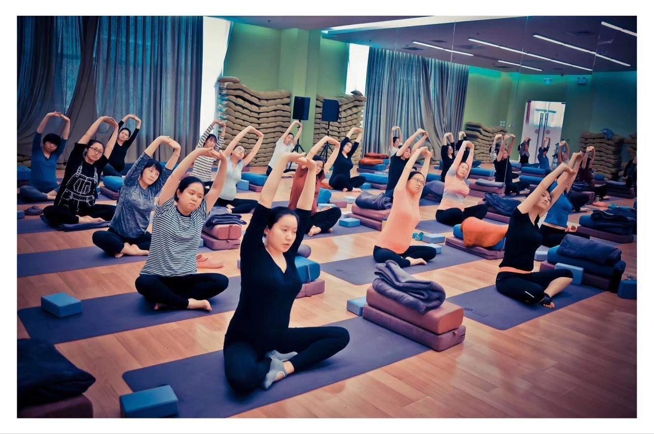孕期瑜伽课程