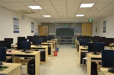 苏州新科教育机房