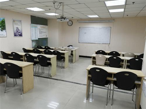 洛阳励学教育学校环境