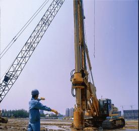 挖掘机旋挖钻机就业班一边学习一边领工资(符合条件可申请补贴)