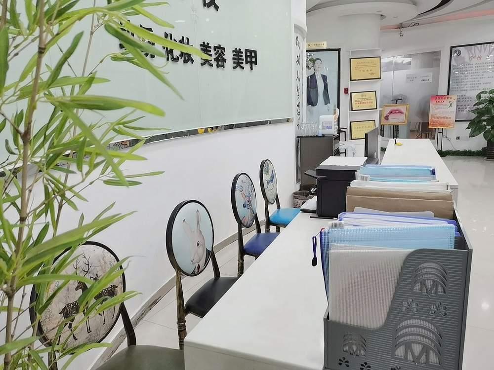 重庆峰翎职校