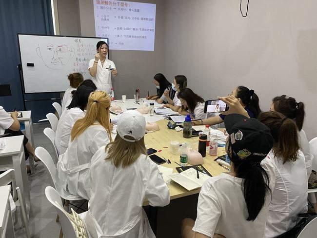 修齐礼仪学院礼仪培训师培训班课程照片